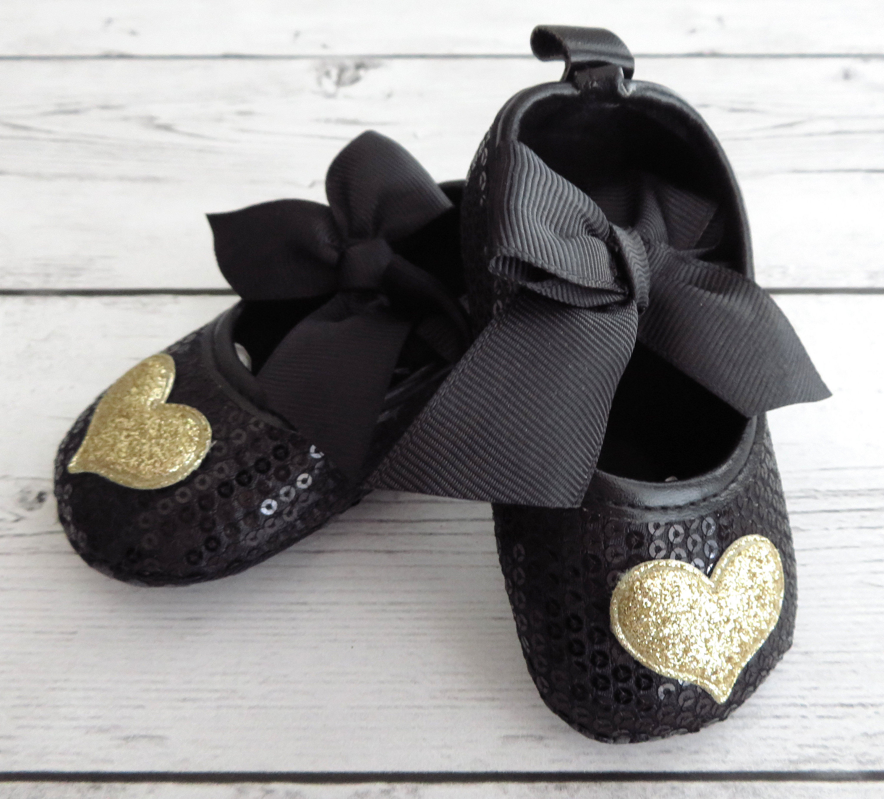 Baby Shoes - black gold, first walkers, soft sole shoes, moccasins, baby girl shoes, baby shower gift, baby girl gift, glitter baby shoes