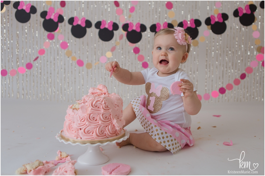 Minnie Mouse First Birthday Cake Smash in Pink and Gold