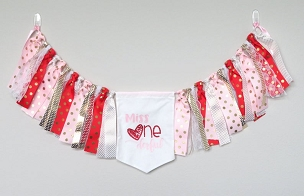Valentines Day / Miss ONEderful High Chair Banner for First Birthday - pink, red and gold birthday banner, hearts pennant, bunting,
